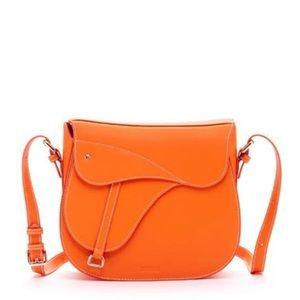 susu women's mia leather saddle crossbody bag